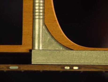 Subtiele carbontoepassing in akoestische gitaren